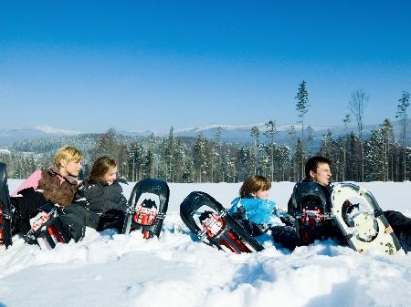 Schneeschuhwandern für Familien Schneeschuhtouren Kinder Bayerischer Wald Dreiländereck Schneeschuhwanderungen Familientour